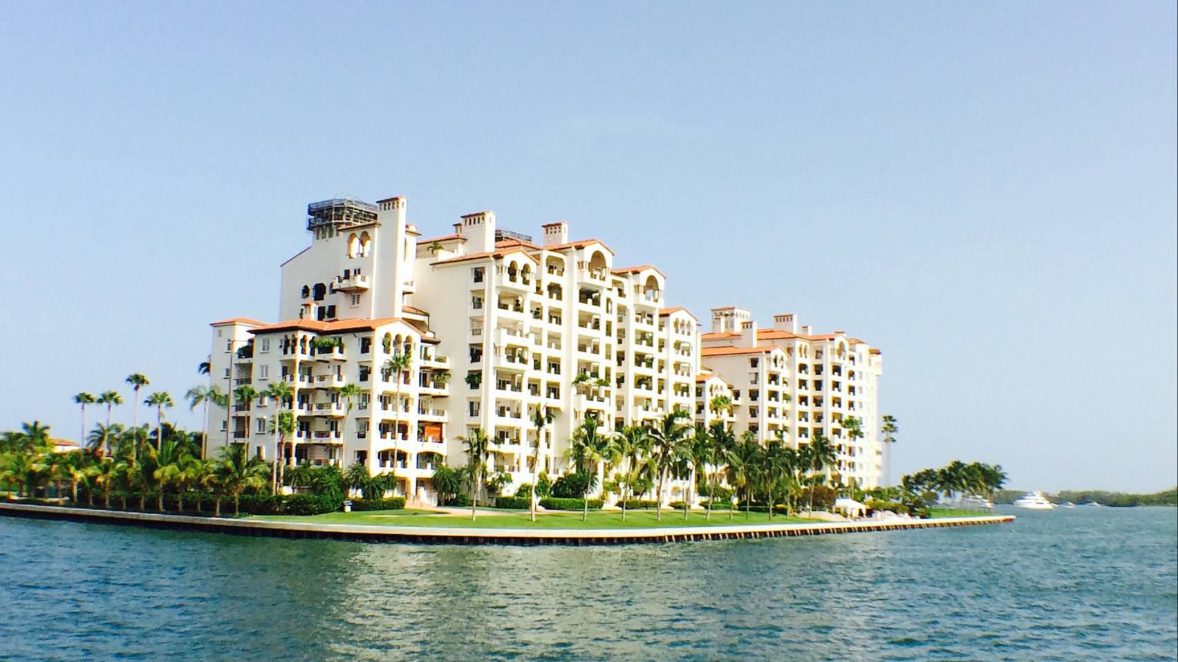 South Florida Boat Docks For Sale Miami Beach Sunny Isles | Lobster House